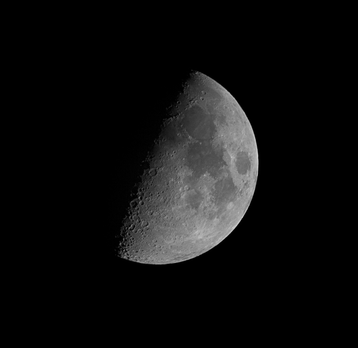 Moon 10 Nov2013 _img728_ 400mmSkywatcher_crop