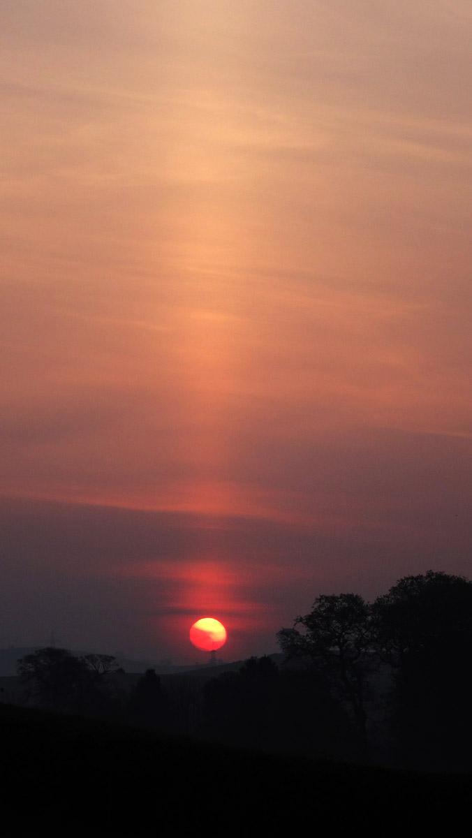 Sun Pillar 0555 29 April 2014 DSC00159